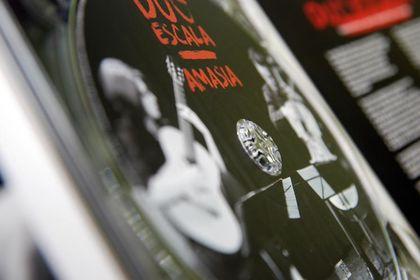 Album Amasia