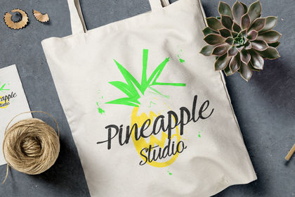 Logo Pineapple Studio