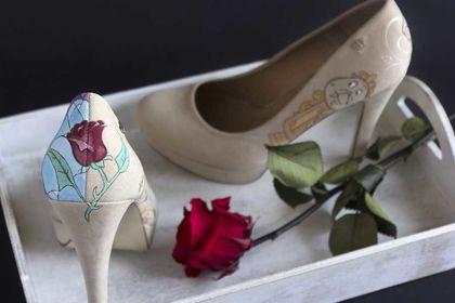 Chaussures peintes à la main