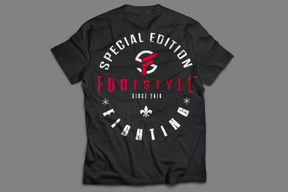 T-shirt footstyle
