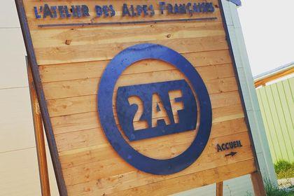 Enseigne l'atelier des Alpes Françaises