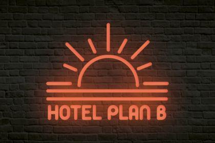 LOGO HOTEL PLAN B