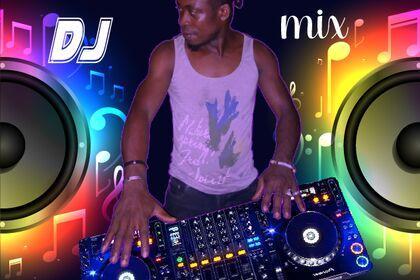 DJ Ousman au platines