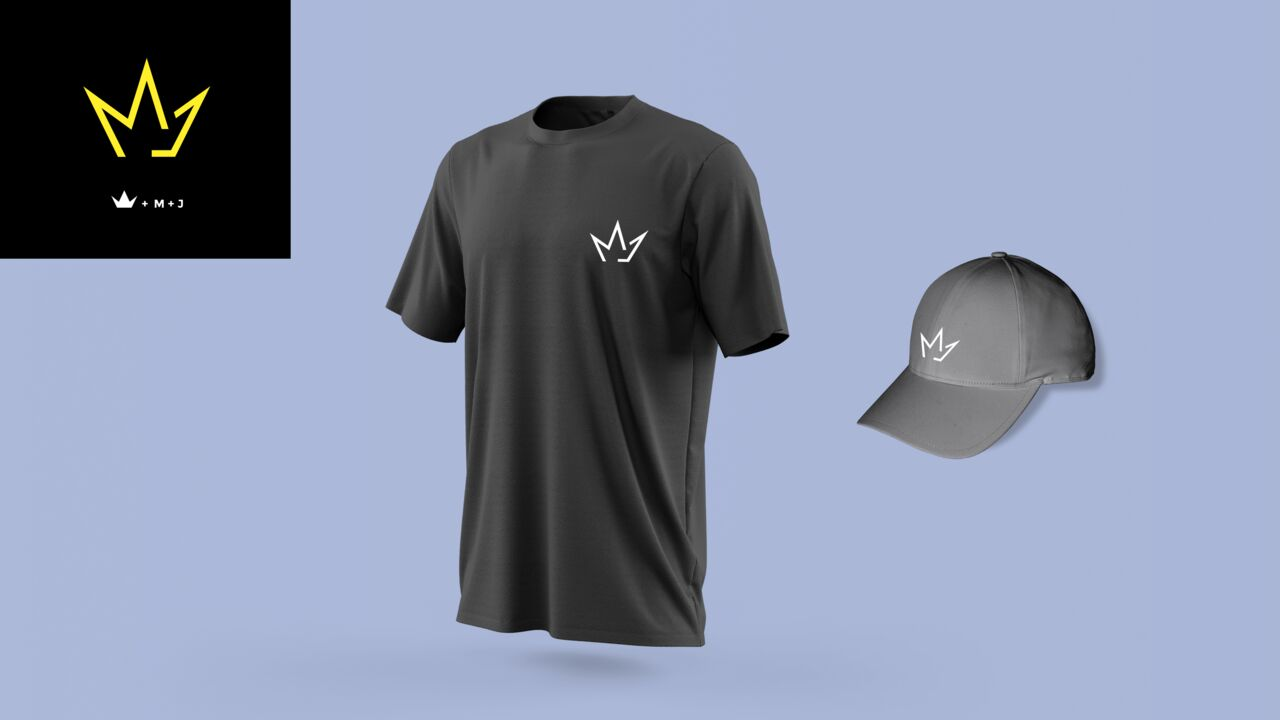 MomoJuve Mockup t-shirt
