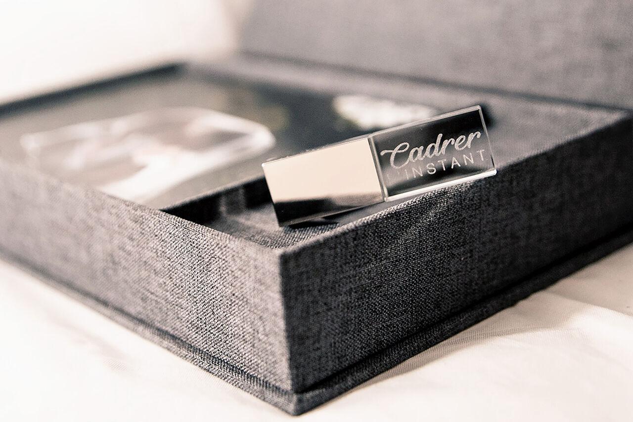 Clé USB avec logo photographe de mariage