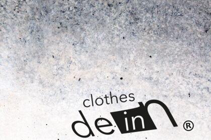 Création d'un logo / Clothes.