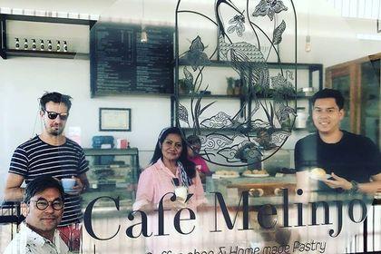 Création vitrine logo café Melinjo Ile du komodo